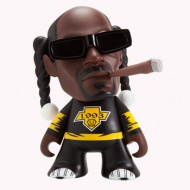 SNOOP DOGG FIGURE 7-INCH