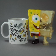 SPONGEBOB X-RAY DX GID SKELETON WITH MUG  SpongeBob X-RAY DX is 5 inches of Japanese soft vinyl with a full internal vinyl skeleton. This release features the classic SpongeBob colors with a bright green glow-in-the-dark skeleton and an exclusive SpongeBob mug  Artist: Secret Base Brand: Secret Base Size: 5 in.  Price: $99.00